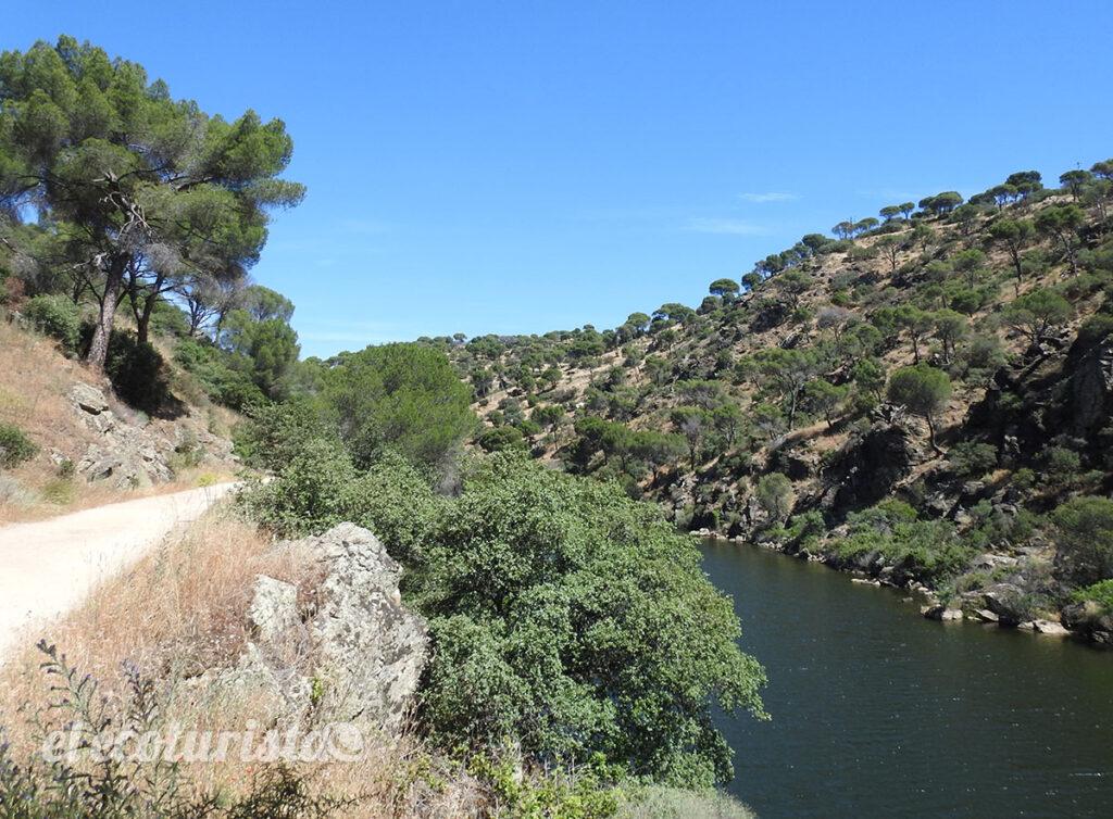 """alt=""""via verde del río Alberche"""""""